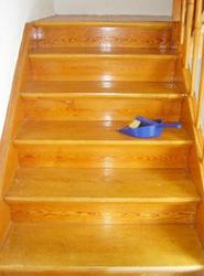 Sandstrahlen Treppe vorher